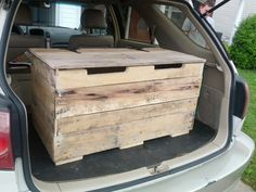 Pallet toy box #redeemingdesignstn@gmail.com www.Facebook.com/redeemingdesingstn   #pallet #pallets #upcycle