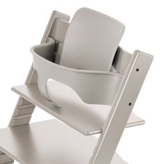 The infant Tripp Trapp attachment for early feeding days. #baby