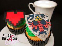 Legend of Zelda Hylian Shield Cupcakes
