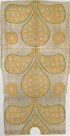 16th century ottoman kaftan back fragment • symbolic peacock feather design