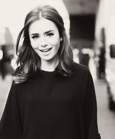 lilly collins short / medium shoulder length hair style,