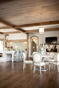 Gorgeous beams on the ceiling.