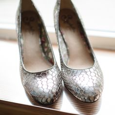 silver pumps by Seychelles//