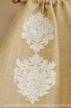 diy-Paint stencil onto burlap for curtains or Table runner