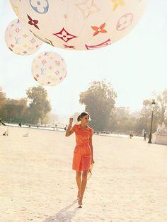 fashion, orang, vogue paris, color, peter lindbergh, loui vuitton, pink lemonade, balloon, louis vuitton bags
