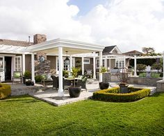 Would love to have a patio like this - good ideas