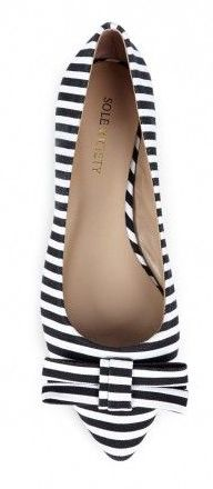 Striped bow flat
