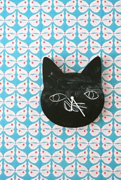 DIY Chalkboard Cat Clock
