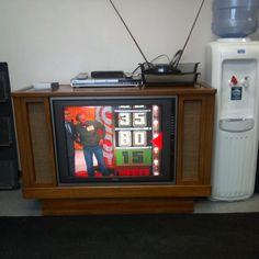 Vintage living on pinterest 106 pins for Floor model tv