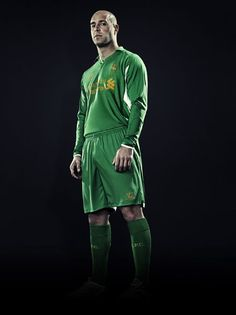 Boom the new kit is here I want it http://bitly.com/Jks9vp