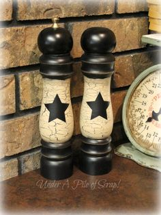 <3 dressed up salt and pepper shakers: cute idea! - Under a Pile of Scrap