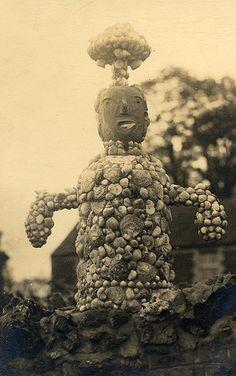 Folk art made from shells and pebbles. via lovedaylemon on flickr