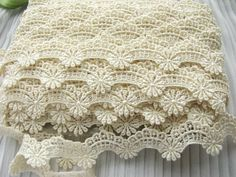 BOLD 14yds ~Chic Cottage Scallop Venise Lace Trim ~IVORY/CREAM~ Pillow~lampshade