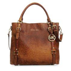 Omg I want this so bad!!!! Like I need a savings jar for this bag!