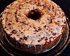 Sweet Tea and Cornbread: Fresh Apple Cake with Warm Caramel Sauce!