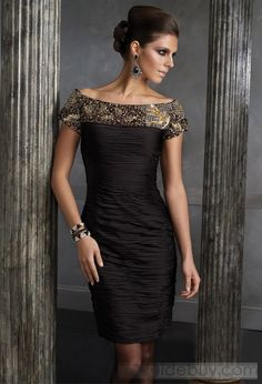 Fantastic Sheath/Column Off-the-Shoulder Short-Sleeves Knee-Length Mother of the Bride Dresses