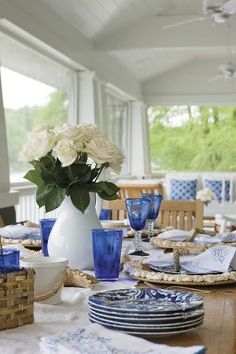 Nautical theme dining on the porch
