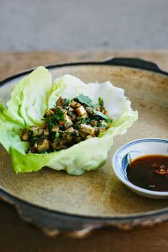 my darling lemon thyme: mushroom + tofu san choy bau {gluten-free + vegan}
