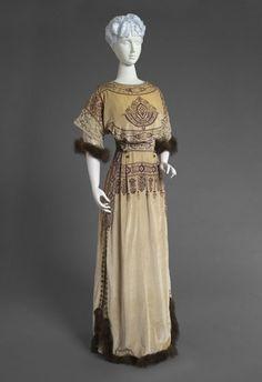 Reception Dress, Callot Soeurs (Paris (1895-1935)): winter 1910, French, silk velvet, bead embroidery, lace, mink.