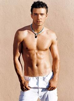 http://desirablemen.hubpages.com/hub/Justin-Timberlakes-Sexy-Pictures