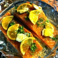 The most perfect Garlic-Ginger Salmon. It melts in your mouth and if full of fresh, savory flavor. #momfilescooks #howtokeepahusband