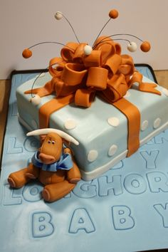 A beautiful Longhorn baby shower cake
