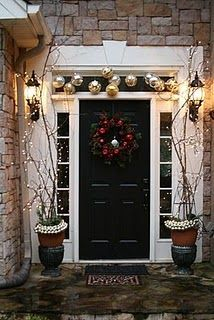 love this. this is my parents house at christmas time. go to blog to see other pictures