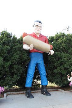 Giant, Atlanta, Illinois