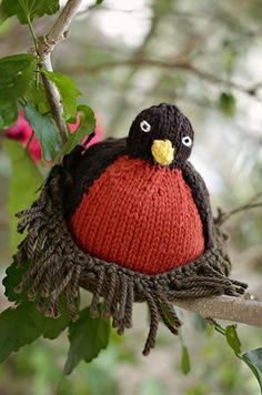 Make your spring a special one by #knitting up your own Robin.