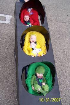 Halloween costume for triplets: Stoplight!