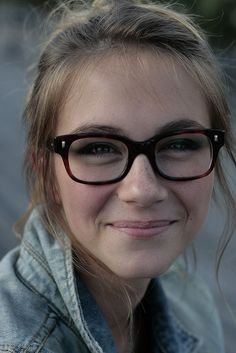 I love big framed glasses!