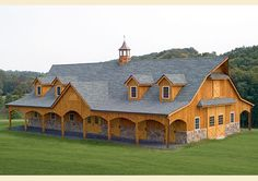 Wow, now that's a Barn, BUT IT WOULD BE MY HOUSE AND THE HORSES COULD SLEEP ELSEWHERE LOL