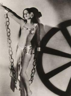 Louise Brooks as Ziegfeld girl… louise brooks, vintag tomorrow, roar 20, ziegfeld girl, louis brook, ziegfeld folli, blog, 1920s, folli girl