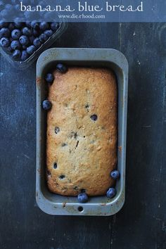 Blueberry Banana Bread | www.diethood.com | Blueberry Banana Bread is the perfect breakfast snack to serve with your morning coffee or tea. | #recipe #bananabread