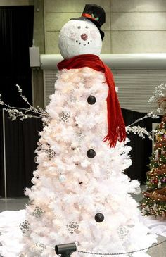 Personalized White Christmas Tree Decorating Ideas  www.loveitsomuch.com