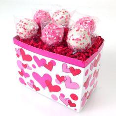 Adorable Valentine cake pops! #valentinecakepops