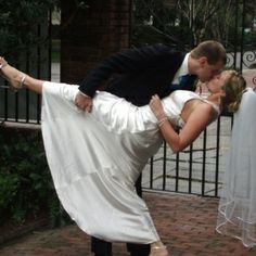 Get married on Valentine's Day in the Davenport House in Savannah, #Georgia! Ceremonies will be offered every 10 minutes.