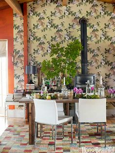 Vintage Floral Wallpaper Dining Room - Rustic Room Decorating Ideas - House Beautiful
