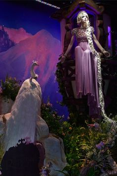 HARRODS' DISNEY PRINCESS HOLIDAY WINDOWS REVEALED! - Rapunzel from Tangled