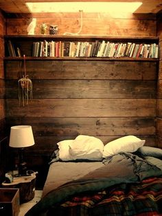 This looks like such a cozy bedroom.