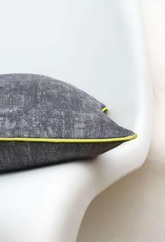graues Kissen mit gelbem Paspelband // grey cushion, yellow trim by Fräulein Otten via DaWanda.com