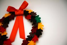 just chic: felt leaf wreath