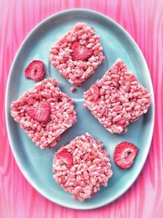 Strawberry Rice Crispy Treats!! These babies burst with flavor.  #glutenfree #eggfree #dairyfree #cornsyrupfree #marshmallows #summer #naturallyflavored strawberri rice, crispi treat, strawberry rice crispy treats