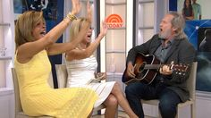 Jeff Bridges serenades Hoda Kotb for her birthday on TODAY