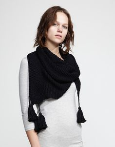 Now THAT is a scarf! Love that!