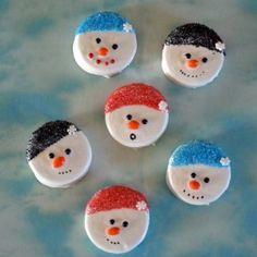 Snowman dipped oreo cookies