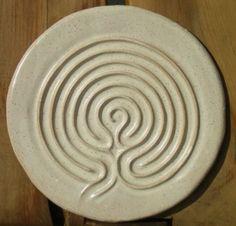 Finger labyrinth.