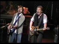 Bruce Springsteen & Eddie Vedder- Better Man - 13 10 2004 - Great tune!