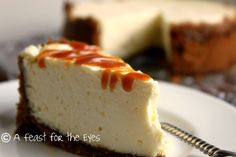 Creamy Cheesecake with Caramel Sauce and Biscoff Cookie Crust