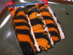Pinning for Jane Marie ... perfect for Joseph ... I know how much he loves the tigers! clemson tigers cake, safari birthday, tiger cake, cake mixes, white cakes, football season, cake designs, zebra cakes, cake slice